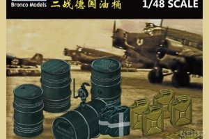 FB4020 1/48 WWII German Jerry Can & Fuel Drum