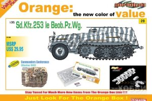 9128 1/35 Sd.Kfz.253 le Beob. Pz.Wg. + Commander Conference Figure Set (Orange)